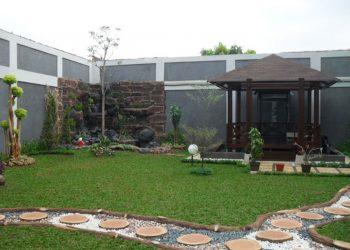 Taman, Kolam dan Gzabo di Perumahan Modernland Tangerang