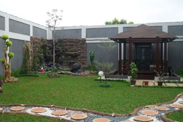 Taman, Kolam dan Gazabo di Perumahan Modernland  Tangerang