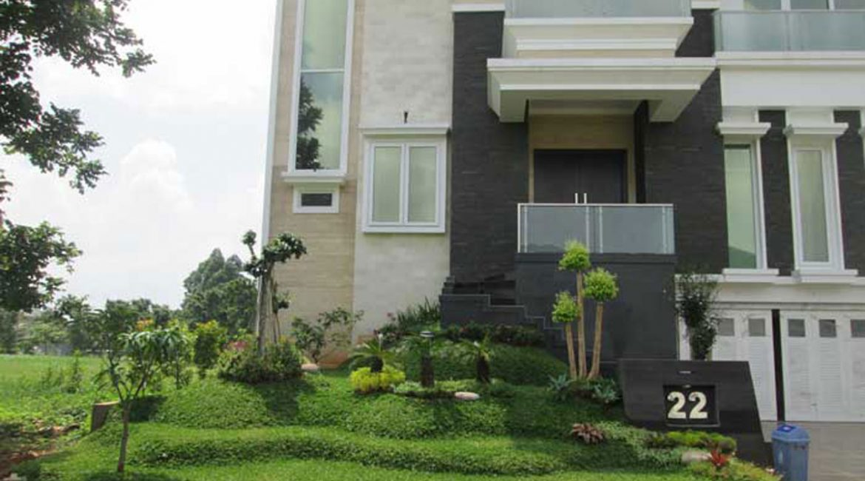 Pembuatan Taman Minimalis di Cluster Onix, Perumahan Modernland Tangerang